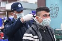 Dursunbey'de Pazarcıcılara Maske Ve Eldiven Dağıtıldı