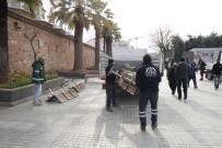 GEBZE BELEDİYESİ - Gebze Meydanındaki Banklar Korona Virüs Tedbirleri İçin Kaldırıldı