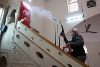 KAYABAŞı - İmamlar Camilerini Dezenfekte Ediyor