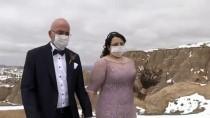 DÜĞÜN TÖRENİ - Kapadokya'da Düğün Fotoğrafı Çektiren Gelin-Damattan Maskeli Önlem