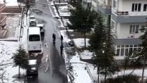 Niğde'de Kaldırımdaki Tabut Polisi Harekete Geçirdi