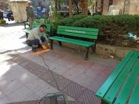 FARUK ÇELİK - Şehzadeler'de Korona Virüse Karşı Banklar Söküldü