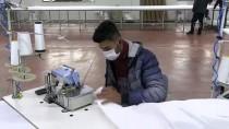 HÜSEYIN ARSLAN - Adıyaman'daki Tekstil Fabrikasında 'Antibakteriyel Tulum' Mesaisi
