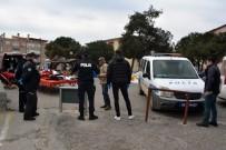 NÜFUS KAĞIDI - Ayvalık'ta 65 Yaş Üstü Vatandaşlar Pazar Yerine Sokulmadı
