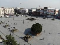 HATIRA FOTOĞRAFI - (Özel) Esenyurt'ta Şeride Rağmen Banka Oturan Vatandaşlar Pes Dedirtti