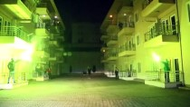 SAKARYASPOR - Sakaryaspor Taraftarlarından Sağlık Çalışanlarına Meşaleli Destek
