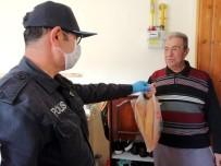 ŞEHİT BABASI - Sokağa Çıkamayan Şehit Babasının İhtiyacını Polis Karşıladı