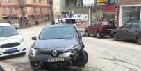 MEHMET CEYLAN - Bilecik'te Trafik Kazası, 4'Ü Hafif 5 Kişi Yaralandı