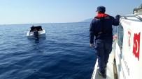 ORTA AFRİKA - İzmir Açıklarında 6'Sı Çocuk 30 Göçmen Kurtarıldı