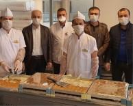 CEBRAIL - Mardin'de Sağlık Çalışanlarına Tatlı İkramı