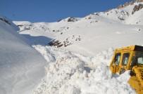 BEYTÜŞŞEBAP - Şırnak'ta Karla Mücadele Çalışmaları Sürüyor