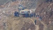 TOPRAK KAYMASI - Toprak Kayması Sonucu 1 İşçi Yaralandı