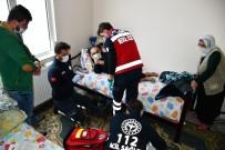 MEDİKAL KURTARMA - Aksaray'da UMKE Ekibi Yaşlıları Evlerinde Tedavi Ediyor