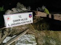 ELEKTRİK KABLOSU - Çankırı'da Kaçak Kazı Yapan 2 Kişi Suçüstü Yakalandı