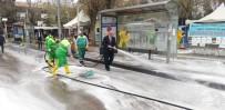 MAHMUT YıLDıRıM - Adıyaman'da Cadde Ve Sokaklar Köpüklendi