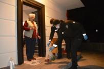 SAHILKENT - Ayvalık'ta Öznur Teyze'nin Yardımına Gece Bekçileri Koştu