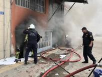 İTFAİYE ARACI - Bursa'da 3 Katlı Tekstil Atölyesinde Yangın
