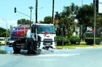 İSMET İNÖNÜ - Cadde Ve Bulvarlar Korona Virüse Karşı Yıkandı
