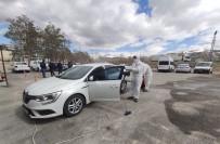 EDREMIT BELEDIYESI - Korona Virüsüne Karşı Araçlar Dezenfekte Ediliyor