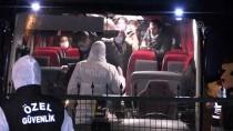 ARIF NIHAT ASYA - Londra'dan Gelen 142 Kişi Kovid-19 Önlemleri Kapsamında Sakarya'da Öğrenci Yurduna Yerleştirildi