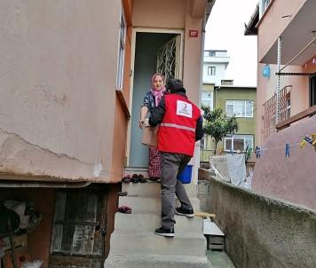 Maltepe Vefa Sosyal Destek Grubu Yaşlıların Taleplerini Karşılıyor