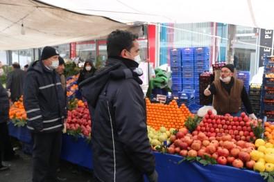 Pazar Alışverişine Daha Çok Yaşlı Vatandaşlar Çıktı