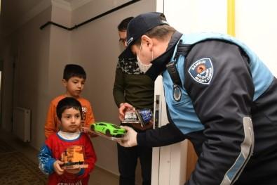 Başkan Demir'den 'Evde Kalan' Çocuklara Doğum Günü Sürprizi