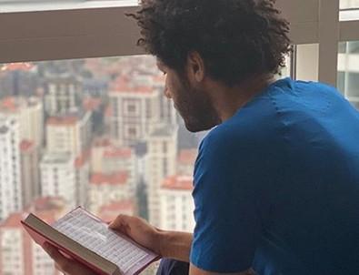 Elneny'den Kuran-ı Kerim paylaşımı: Üzülmeyin Allah bizim yanımızda