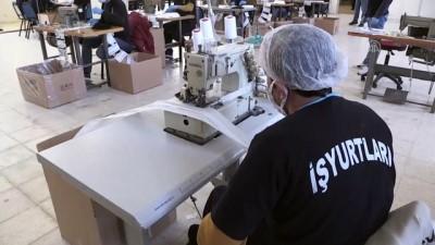 Niğde'de Mahkumlar Günlük 20 Bin Maske Üretiyor