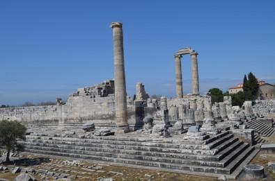 Apollon Tapınağı Ve Çevresi Sessizliğe Büründü