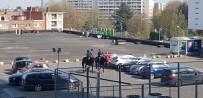 SIKI YÖNETİM - Belçika'da Atlı Polislerden 'Korona' Denetimi