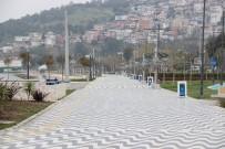 OLTA - İzmir'de Sahil Ve Pazar Yerleri Boş Kaldı
