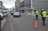TRAFİK DENETİMİ - Kars'ta Trafik Ekiplerinden Korona Virüs Tedbiri