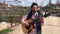 ATMOSFER - Kovid-19 Tedbiri Alan Yaşlılara Mızıka Ve Gitarıyla Konser Veriyor