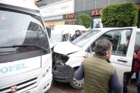 SİVİL POLİS - Minibüs, Otomobille Yarışırken Polis Aracına Çarptı Açıklaması 2'Si Polis 3 Yaralı