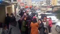 YEŞILTEPE - Silopi'de Polisten Koronavürise Karşı Sosyal Mesafenin Korunması Uyarısı