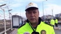 HALK OTOBÜSÜ - Van'da Koronavirüs Tedbirlerine Uymayan 30 Sürücüye Ceza Kesildi