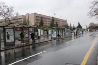 KUĞULU PARK - Ankara'da Korona Etkisi Açıklaması Meydan, Cadde, Sokak Ve Parklar Boş Kaldı