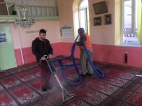 Camiler Temizlenip Dezenfekte Edildi