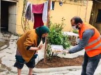 GÖNÜL ELÇİLERİ - Kızıltepe'nin Gönül Elçileri Evde Börek Yapıp Yaşlılara Götürüyor