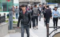 ATATÜRK BULVARI - Şanlıurfa'da 'Evde Kal' Çağrısına Uyulmadı
