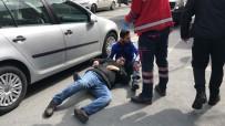 MOTOSİKLET SÜRÜCÜSÜ - Şişli'de Yaralı Arkadaşa 'Sosyal Mesafesiz' Sarılış Kamerada
