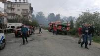 İTFAİYE ARACI - Antalya'da Korkutan Orman Yangını Büyümeden Söndürüldü