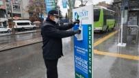 ŞIRINEVLER - İzmit Sokaklarına Dezenfektan Otomatları Yerleştirildi