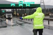 UZUNÇIFTLIK - Kocaeli'nin 2 TEM Girişi Korona Virüs Tedbirleri Kapsamında Kapatıldı