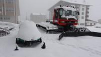 KAR KALINLIĞI - Mart Sonunda Uludağ'da Kar Kalınlığı 32 Santimetreye Ulaştı