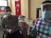 RÖNTGEN - Meslektaşlarını Koronavirüsten Korumak İçin Siperlik Ürettiler
