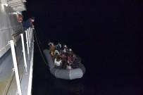Düzensiz Göçmenlerin Yardım Çağrısına Sahil Güvenlik Koştu