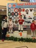Küçük Karateciler Dereceleriyle Göz Doldurdu