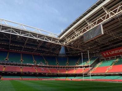 İngiltere'de Konferans Merkezleri Ve Stadyumlar Hastaneye Dönüştürülüyor
